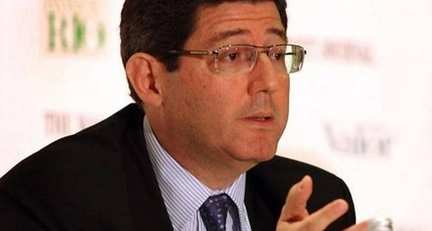 Quando esteve no governo, entre 2003 e 2006, executou o ajuste fiscal. Ele estava no Bradesco, mas já foi secretário do Tesouro Nacional.