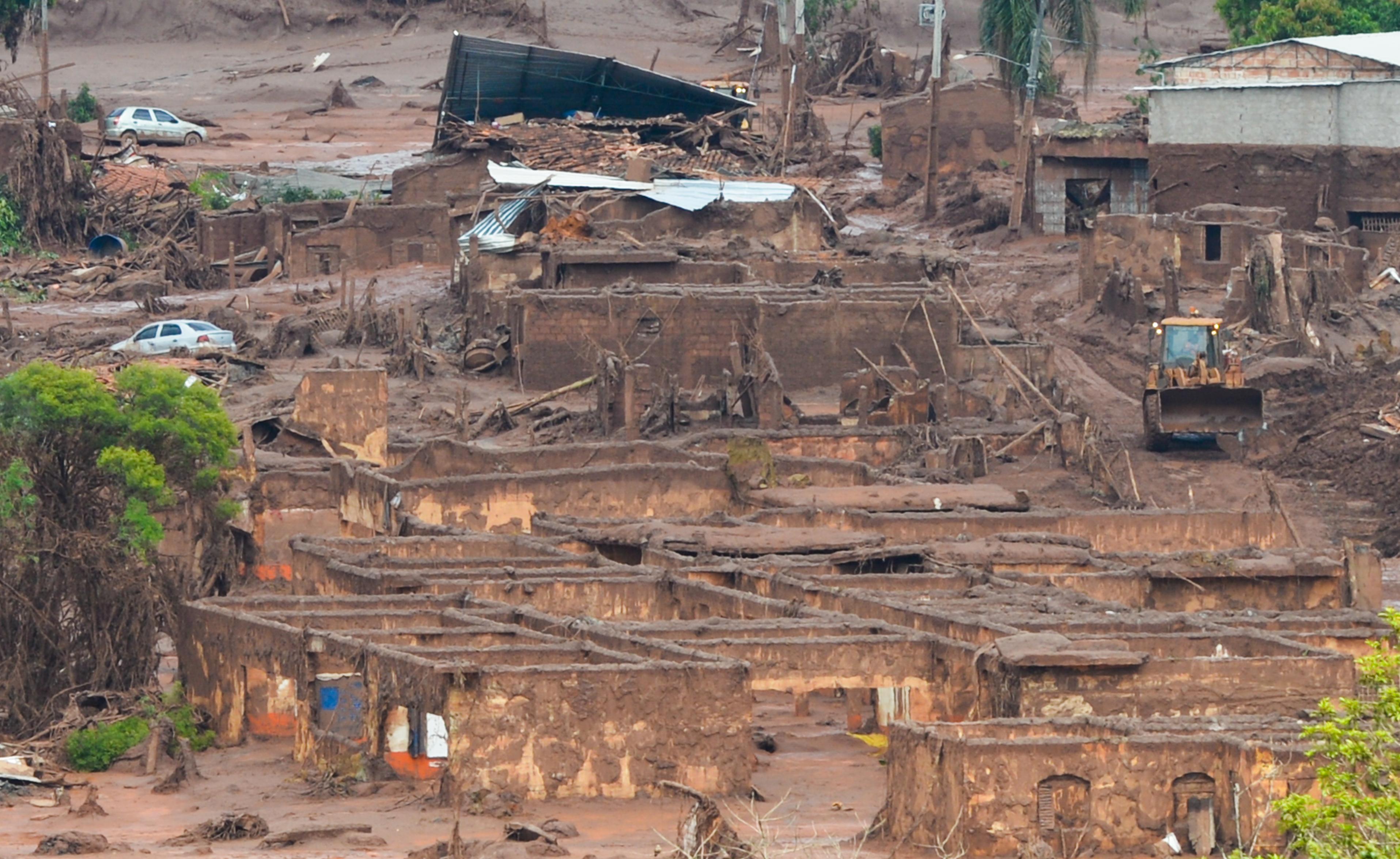Mariana (MG) - Área afetada pelo rompimento de barragem no distrito de  Bento Rodrigues acb687429a12c